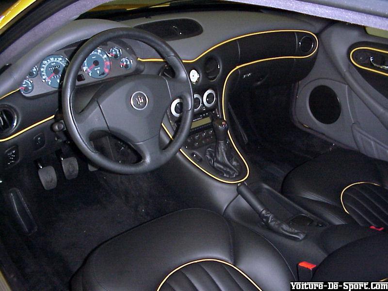 Voiture de sport 3200 maserati 3200gt 03 interieur for Interieur voiture