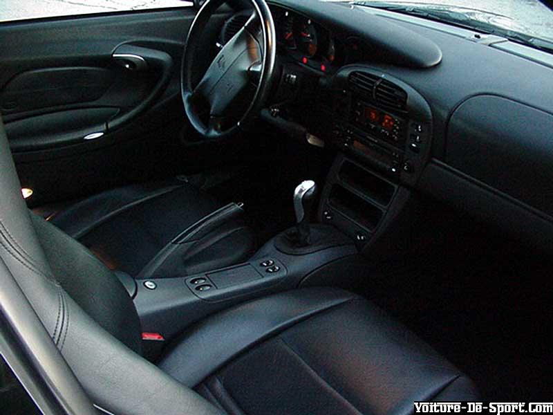Voiture de sport 996 porsche 996 interieur for Porsche 996 interieur